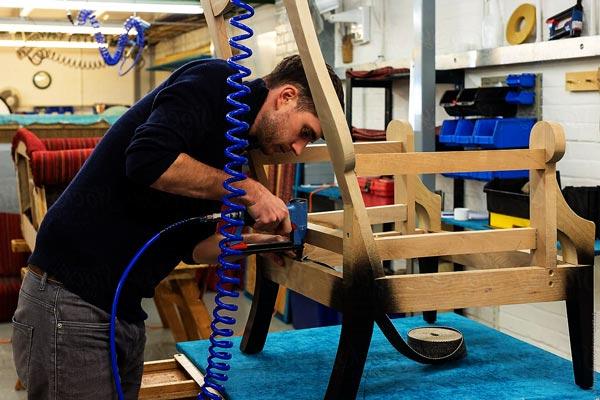 Выполняем ремонт мебели аккуратно и по технологии